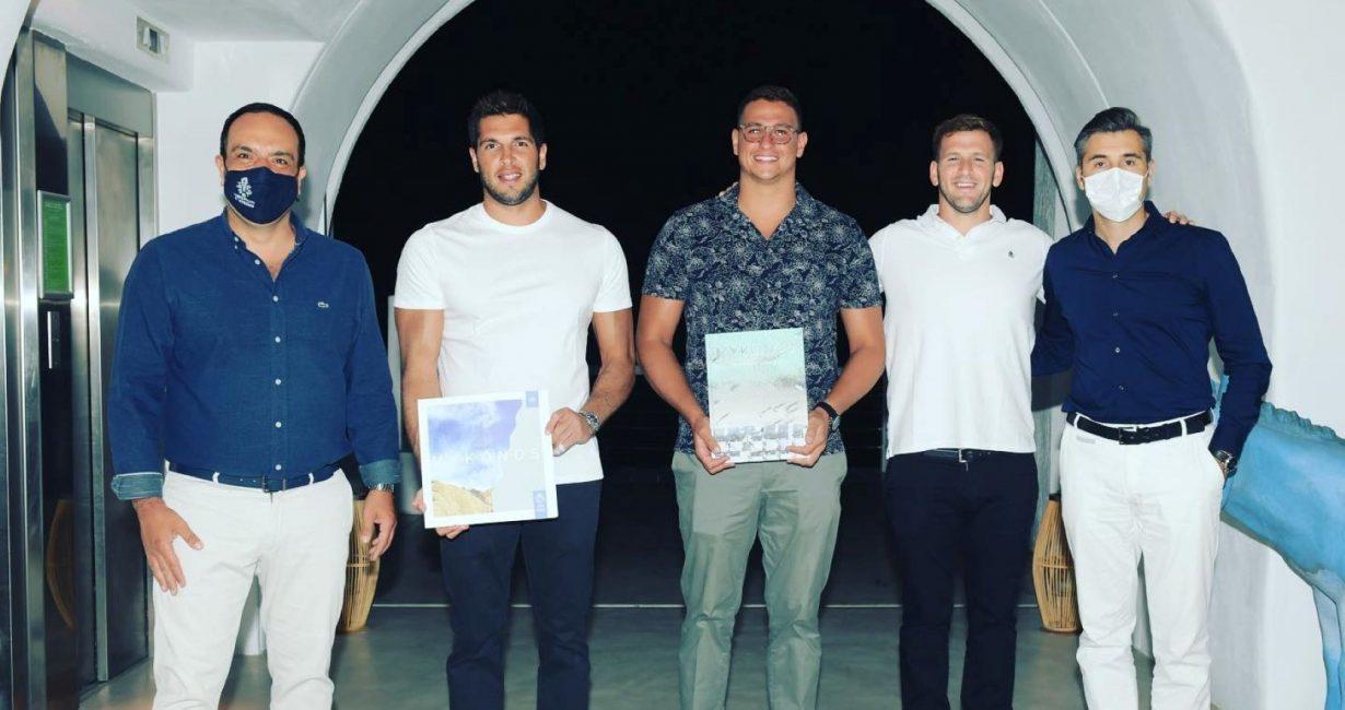 Συνάντηση του Δημάρχου με τρεις αθλητές από την εθνική ομάδα πόλο