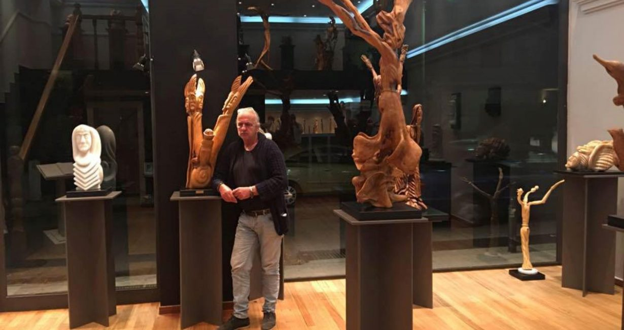 Γιώργος Ψαραδέλης: Η νέα του έκθεση γλυπτικής στη Μύκονο