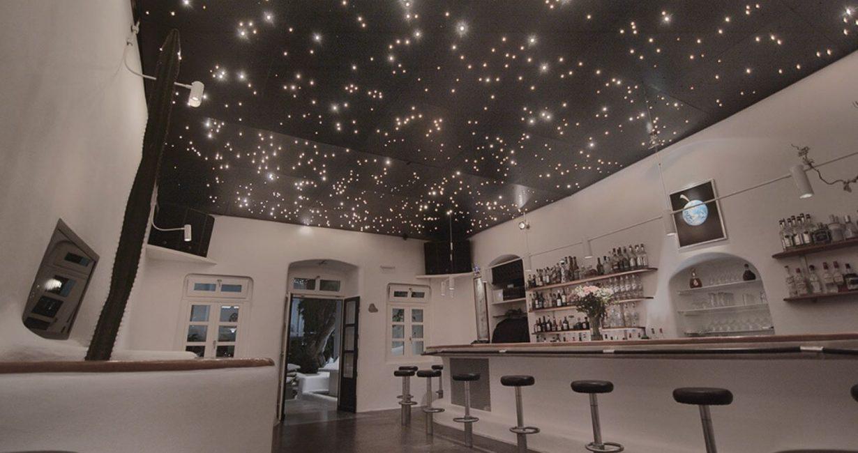 Astra: Το εμβληματικό μπαρ της Μυκόνου