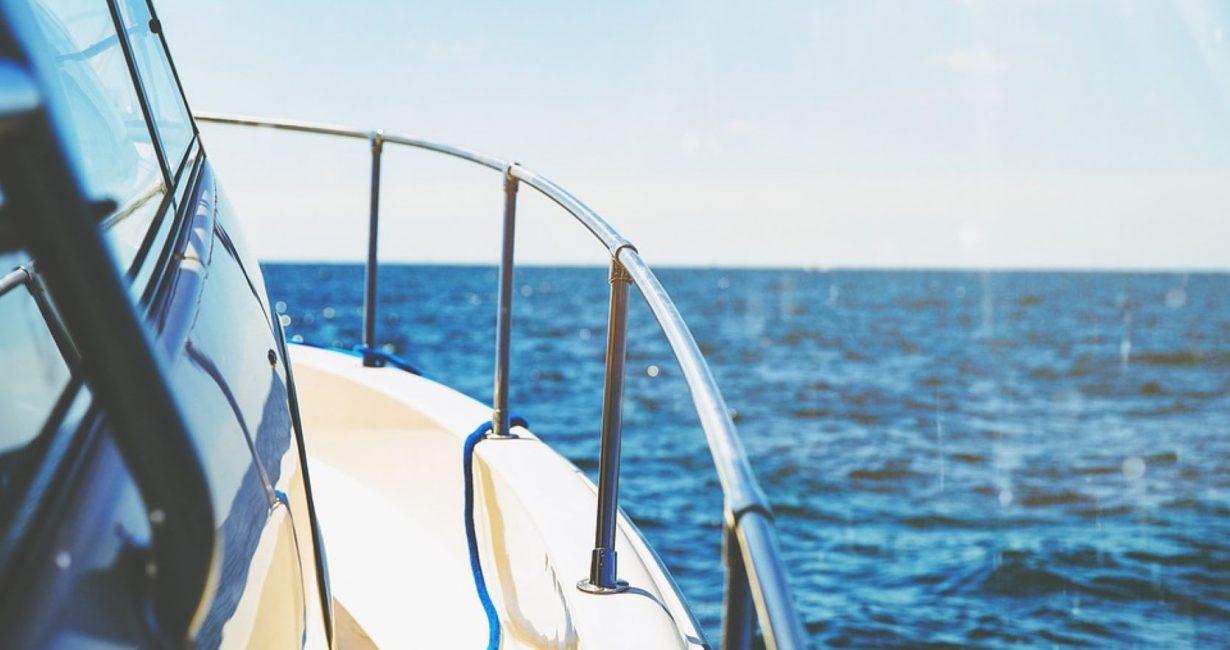 """Το υπερσύγχρονο mega yacht O' Pari """"προσγειώθηκε"""" στην παραλία της Ψαρρούς"""