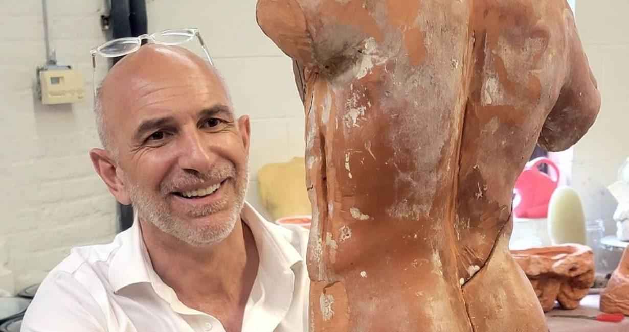 Γιώργος Πετρίδης: Η νέα ατομική έκθεση του γλύπτη έχει τον τίτλο «Mykonian Dialogues»