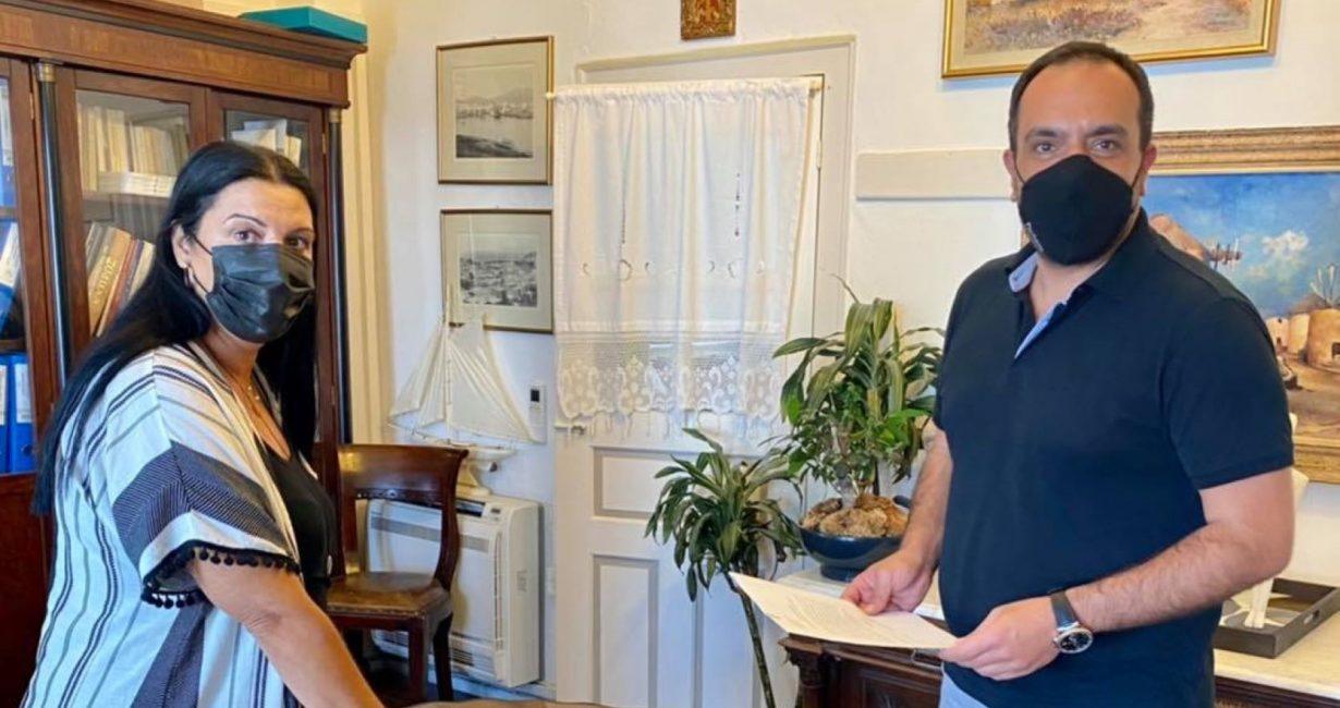 Οι ευχές του Δημάρχου στη νέα κοινοτική σύμβουλο της Άνω Μεράς