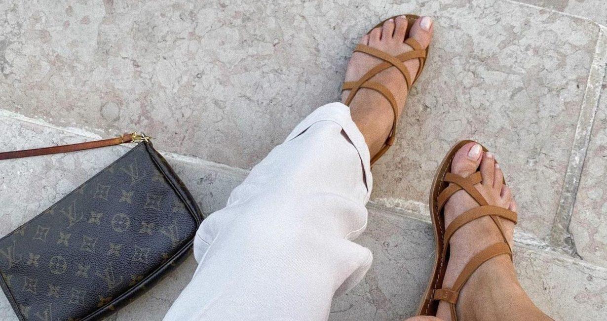 Το Mykonos Post παρουσιάζει τα πιο stylish σανδάλια του καλοκαιριού