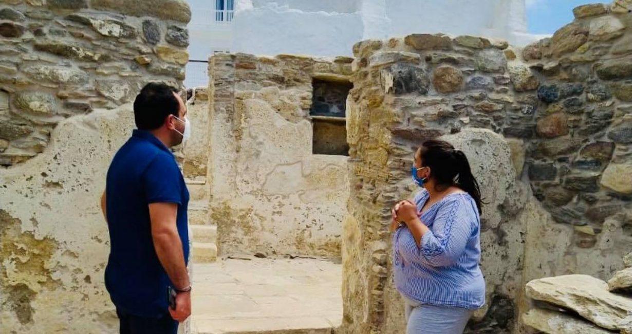 Ο Δήμαρχος Μυκόνου ξεναγήθηκε στο χώρο των ανασκαφών του Κάστρου