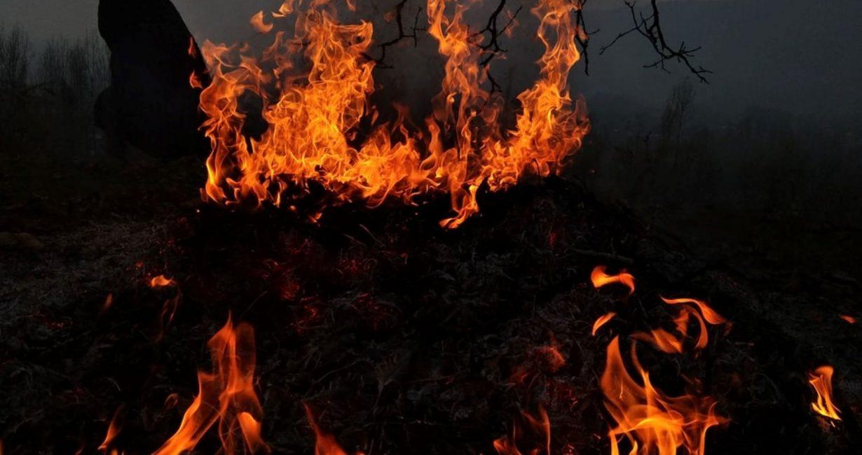 Υπό έλεγχο η φωτιά που ξέσπασε χθες στη Μύκονο
