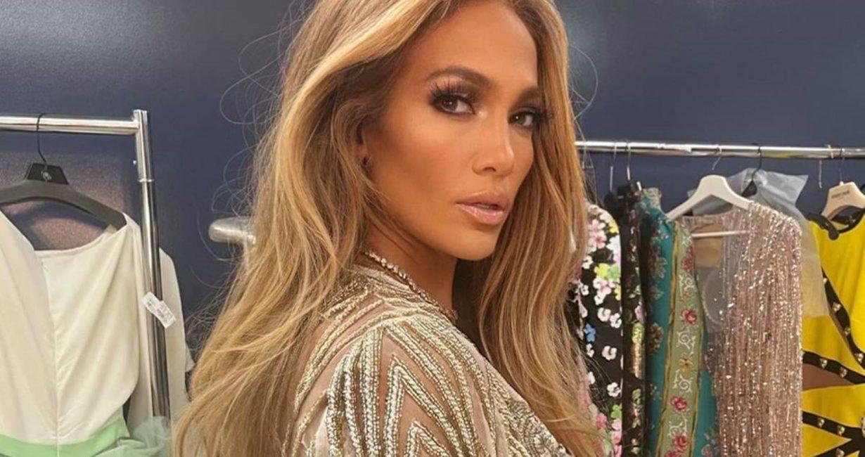 Έτοιμη να έρθει τον Αύγουστο στη Μύκονο η Jennifer Lopez