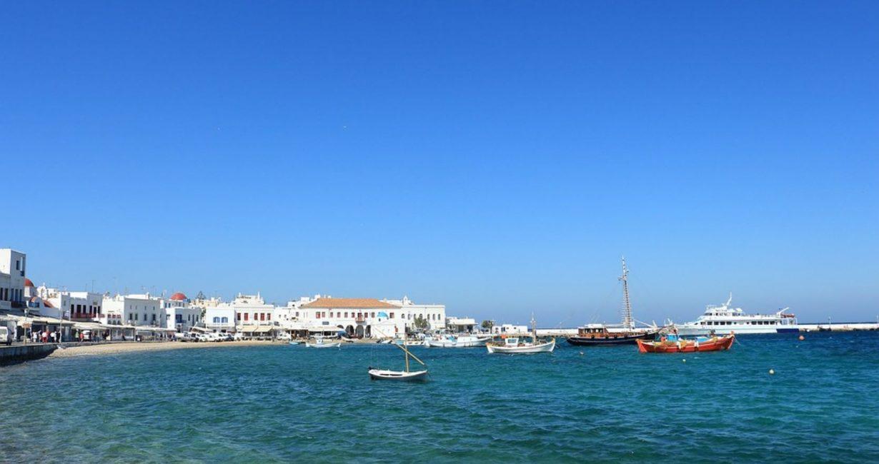 Το Υπουργείο Τουρισμού αναζητά ξενοδοχεία καραντίνας στα νησιά