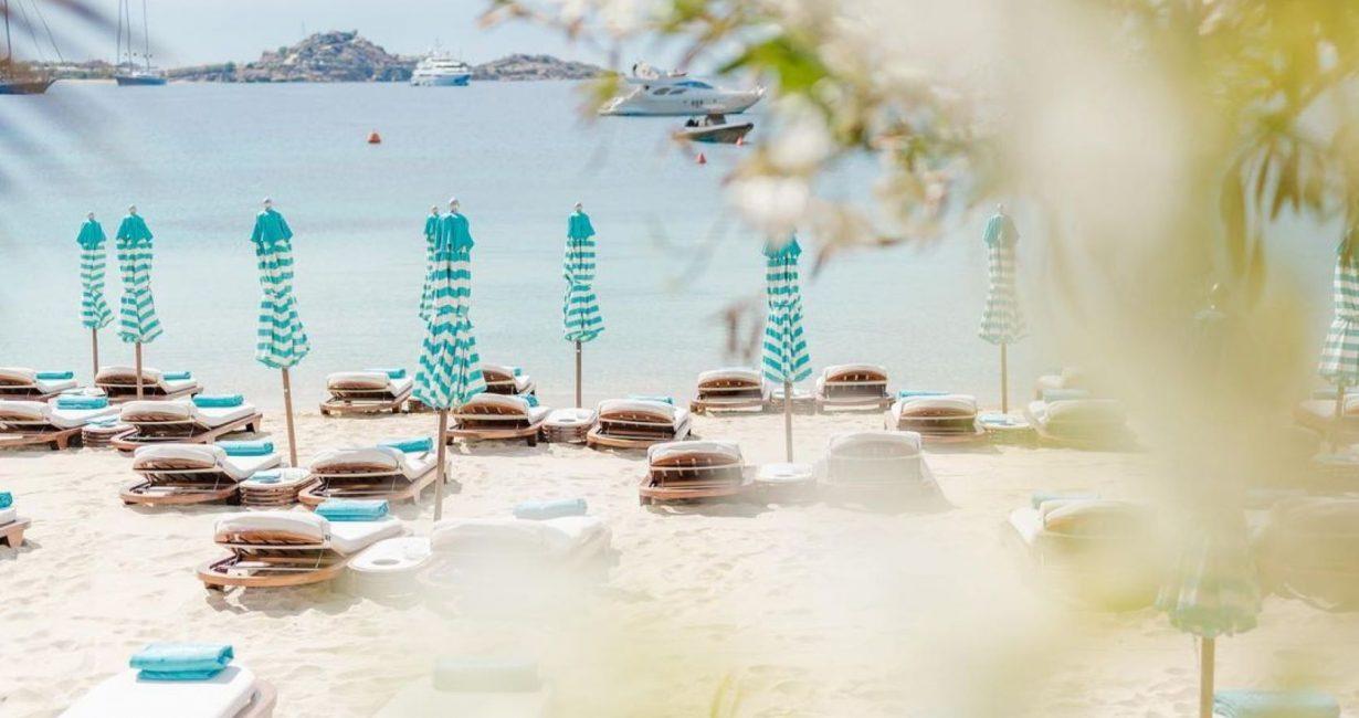 Τα prenium beach bar της Μυκόνου είναι must και το φθινόπωρο