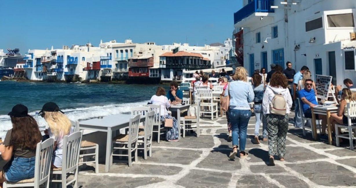 Πώς ήταν η πρώτη μέρα της τουριστικής περιόδου για τα ελληνικά νησιά